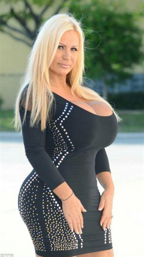 Nude Mature Pornstar
