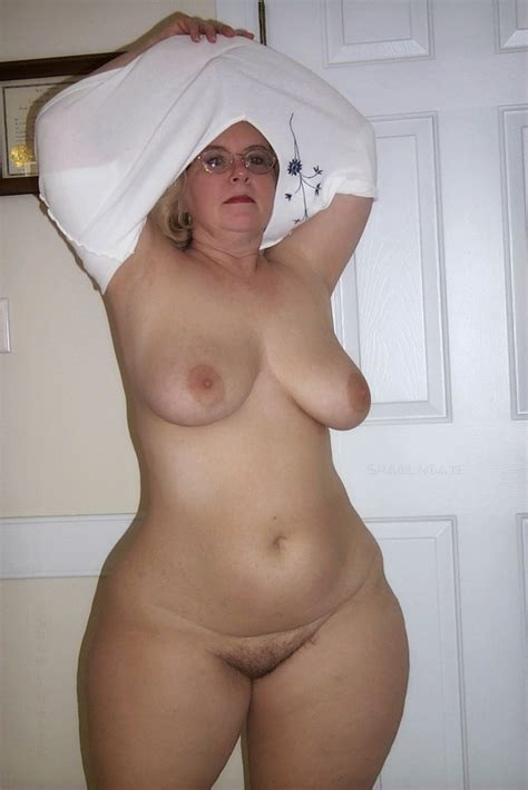 Nude Older Women With Wide Hips