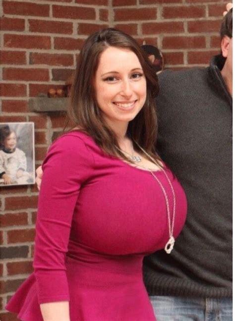 Sexy Nude Big Tits