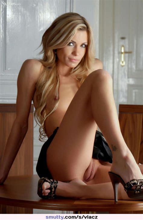 Sexy Nude Camel Toe
