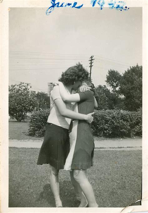 Vintage Lesbian Nudes Kissing