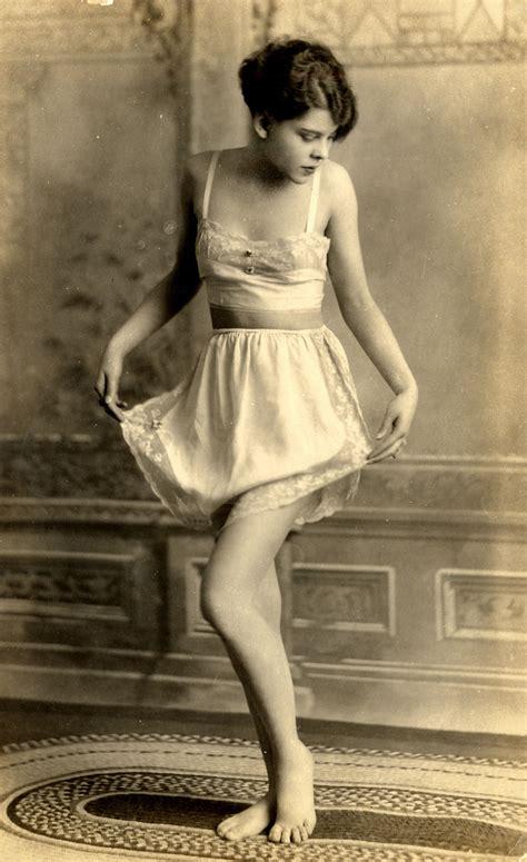 Vintage Nude Women In Lingerie