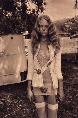 Vintage Retro Nude Blonde Women